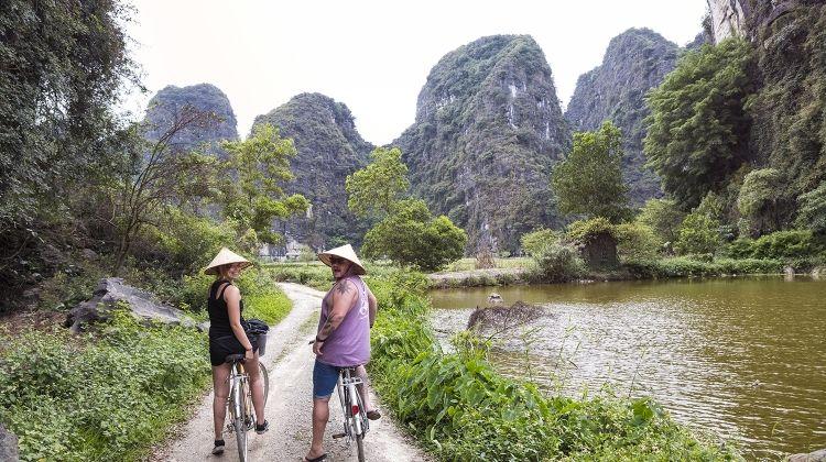 Vietnam Intro 12 Day