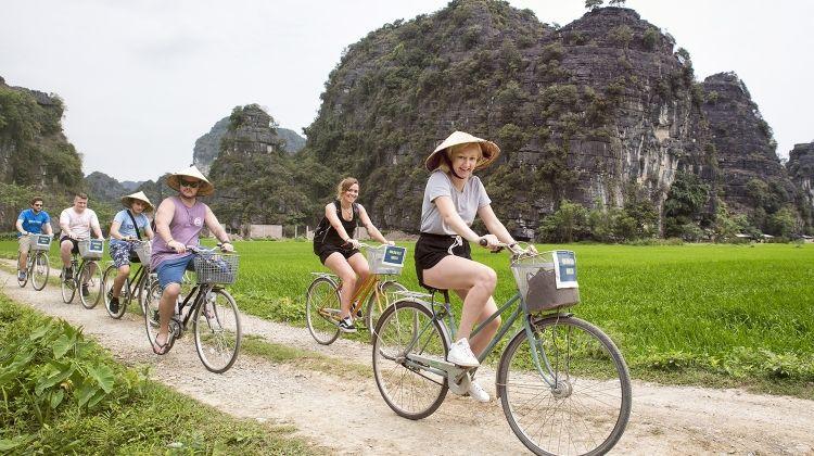 Vietnam Intro 9 Day