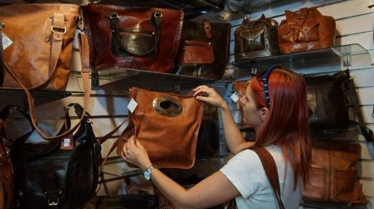Walking and Shopping in Marrakech Medina - Private tour