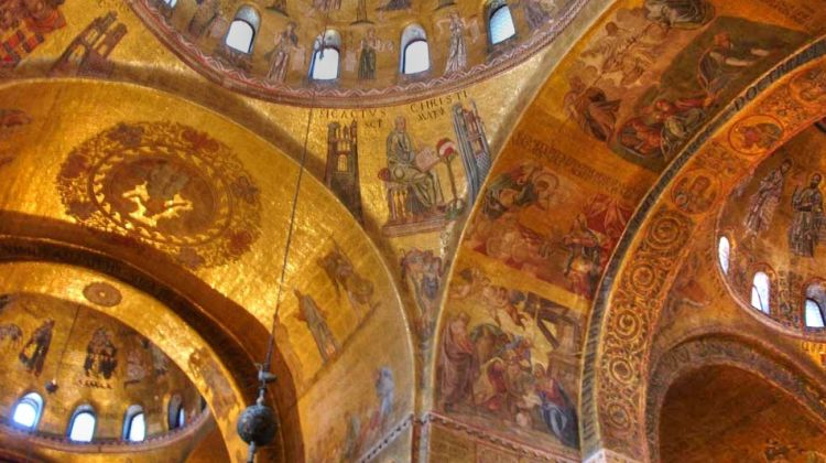 Walking Tour, St Mark's Basilica and Doge's Palace Visit