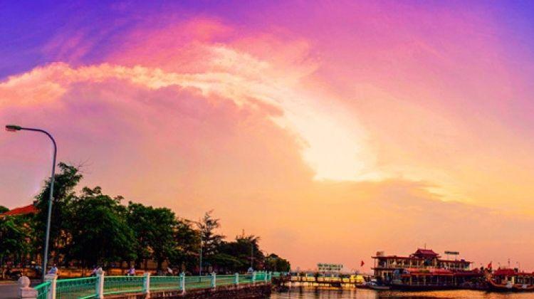 West Lake Route of Hanoi on Motorbike - Half Day