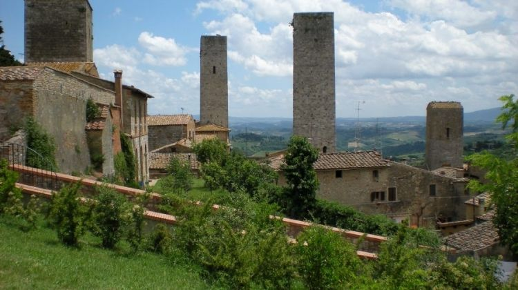 Wine Trails of Classic Tuscany